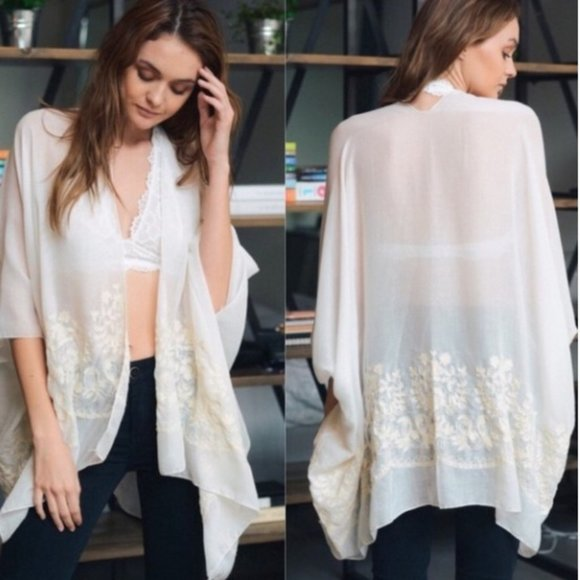 Womens Ivory Beige Boho Floral Embroidered…